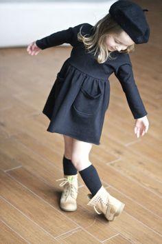 Vivi & Oli-Baby Fashion Life: Sport look Toddler Girl Fall, Toddler Girl Style, Toddler Girl Outfits, Toddler Fashion, Kids Fashion, Fashion Fall, Fashion Trends, Pantalon Vert Olive, Leggings Gris