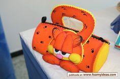 Cartucheras Easy Crafts For Kids, Creative Crafts, Diy And Crafts, Felt Dolls, Paper Dolls, Foam Sheets, Foam Crafts, Felt Fabric, Kids Bags