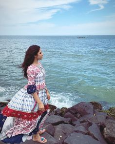 Most Beautiful Bollywood Actress, Kurta Designs Women, Strike A Pose, Indian Beauty, Short Sleeve Dresses, Actresses, Poses, Things To Sell, Celebrities