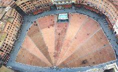 piazza del campo /siena . italy