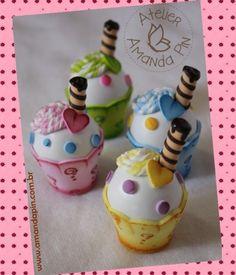 En fomy ✿⊱╮ Cardboard Crafts, Foam Crafts, Diy And Crafts, Crafts For Kids, Arts And Crafts, Paper Crafts, Washcloth Cupcakes, Cupcake Crafts, Cap Cake