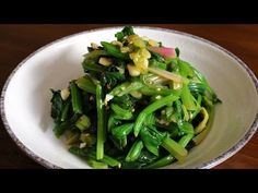 Spinach side dish (Sigeumchi-namul) recipe - Maangchi.com