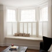 Cafe Style Shutters for Bay Windows : Blinds & shutters by Plantation Shutters Ltd Living Room Windows, Home Living Room, Living Room Decor, Dining Room, Cafe Style Shutters, Interior Window Shutters, Window Shutters Inside, Window Wall, Windows