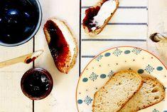 Cómo hacer mermelada de ciruela y canela en Crock Pot o slow cooker. Receta paso a paso. Descubre más recetas de mermelada en olla de cocción lenta.