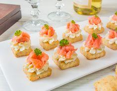Канапе на сырном печенье - вкусные проверенные рецепты, подбор рецептов по продуктам, консультации шеф-повара, пошаговые фото, списки покупок на VkusnyBlog.Ru