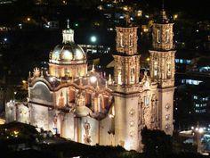 Templo de Santa Prisca de Taxco, Guerrero, México (1758).
