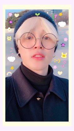 Mochi, Wallpapers Tumblr, Cute Wallpapers, Park Ji Min, Foto Bts, Namjoon, Taehyung, Bts Polaroid, Polaroids