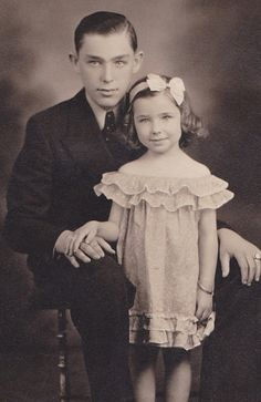 +~+~Vintage Photograph~+~+  Adorable Portrait of a girl and her older brother