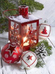 30 Awesome Pictures To Make Your Christmas Mood Christmas Lanterns, Christmas Mood, Christmas Pictures, Christmas Colors, Vintage Christmas, Christmas Crafts, Christmas Bulbs, Christmas Decorations, Holiday Decor