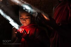 Play with light by alessandrobergamini