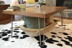 Rustic-Industrial Coffee Table Makeover | http://heartsandsharts.com/rustic-industrial-coffee-table-makeover/