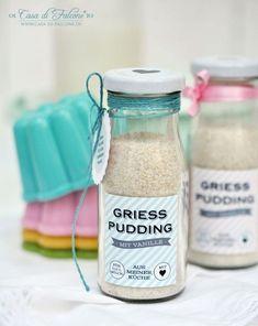 """Wir essen so gerne Griesspudding und da ich aufgrund der Zusätze keine """"Fertig-Tüten"""" & Co. kaufe, rühre ich den Pudding selbst zusammen. Es ist so ein"""