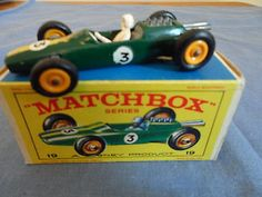 Matchbox Lesney No.19F Lotus Racing Car (yellow Hubs), 1965, Very Good Condition - http://www.matchbox-lesney.com/46174