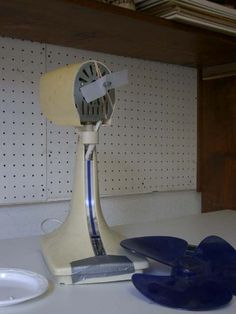 Fan with modified blade for back and forth motion in prop