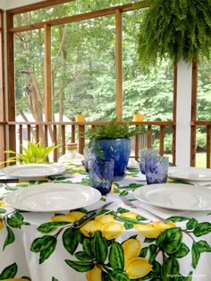 Outdoor Dining on the Porch