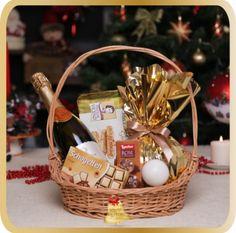 Cos cadou de Craciun Golden Trilogia - KarinGifts.ro Christmas 2015, Wicker Baskets, Cos, Salads, Woven Baskets