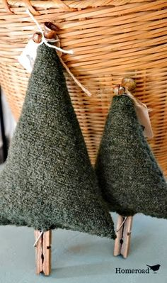 Turn a boiled wool jacket into the cutest Christmas trees! Full tutorial here. Homeroad.net