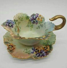 Correo - claraluz1504@hotmail.com Tea Cup Set, My Cup Of Tea, Tea Cup Saucer, Tea Sets, Antique Tea Cups, Vintage Teacups, Cuppa Tea, Teapots And Cups, China Tea Cups