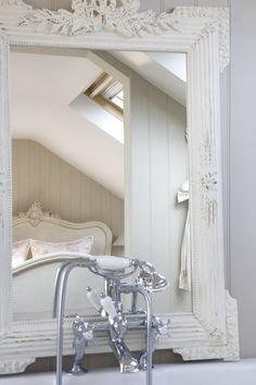 Wonderful white shabby chic bed and bathroom