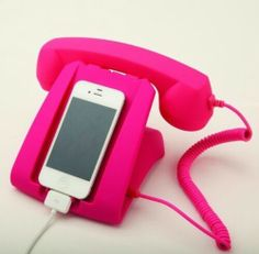 """Pink Talk Dock There's nothing retro about this. - Pink Talk Dock """" There's nothing retro about this talk dock - except it's adorable design! Plug in your cell phone to call up a friend or simply charge it. Compatible with iPhone iPhone iPhone. Cool Gifts, Unique Gifts, Capas Iphone 6, Coque Ipad, Retro Phone, Accessoires Iphone, Cute Phone Cases, Flip Phone Case, Cool Iphone Cases"""
