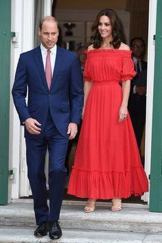 Gardrop Kedisi: Kate Middleton: Alexander McQueen Kırmızı Elbise