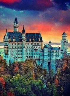 Neuschwanstein castle in southern Germany w/ Sandra Gold. Beautiful Castles, Beautiful Buildings, Beautiful Places To Visit, Wonderful Places, Places Around The World, Around The Worlds, Neuschwanstein Castle, Wonders Of The World, Landscape Photography