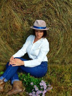 Western Hat Styles, Western Hats, Western Outfits Women, Western Wear For Women, Raffia Hat, Trilby Hat, Summer Hats For Women, Outfits With Hats, Blue Ribbon