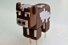 Minecraft Cow Cake Topper - Mine Minecraft World Minecraft Cake Toppers, Bolo Minecraft, Minecraft Birthday Cake, Minecraft Crafts, Minecraft Ideas, Minecraft Skins, Mindcraft Cakes, Cow Cakes, Biscuit