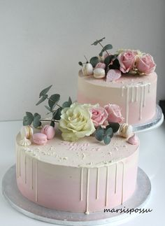 Marsispossu: Ristiäiskakkuja tyttövauvoille Dessert Table Birthday, Birthday Cake Decorating, Amazing Wedding Cakes, Amazing Cakes, Torta Animal Print, Birthday Cake For Women Simple, First Communion Cakes, Buttercream Flower Cake, Smooth Cake