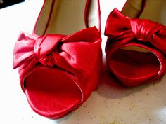 red shoes with bows and peek-a-boo toes!