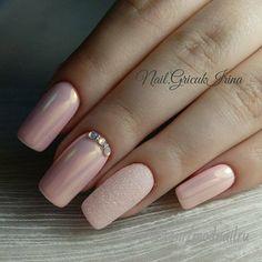 Amazing nude nails with sone nice details Nude Nails, Nail Manicure, Pink Nails, Gel Nails, Nail Polish, Coffin Nails, Acrylic Nails, Bridal Nails, Wedding Nails