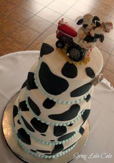 . Cow Cakes, Round Wedding Cakes, Cow Print, Album, Desserts, Food, Tailgate Desserts, Deserts, Round Shaped Wedding Cakes
