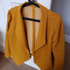 Im almost done sewing up my morris blazer. I think this may be one of my most fave makes to date!  #grainlinestudio #morrisblazer #memademay #imakemyownclothes #yellow #blazer #sewing #sewingproject #sewinginspiration #sewcialists #makersgonnamakeblazer,memademay,sewinginspiration,sewing,yellow,grainlinestudio,sewingproject,morrisblazer,imakemyownclothes,sewcialists,makersgonnamakecheezysheep