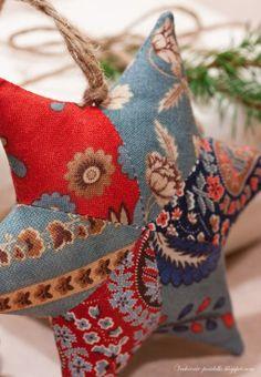 Ornamento recheadas Estrela Para O Natal DIY   www.FabricArtDIY.com