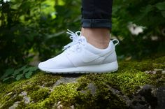 Nike WMNS Roshe one in white / white for the ladies. www.the-upper-club.com
