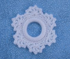 Lacy Snowflake Ring Ornament - free crochet pattern