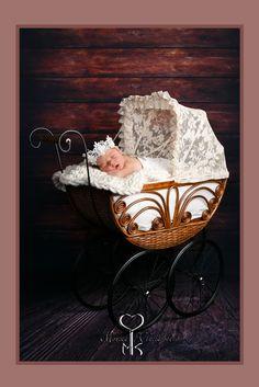 www.fotomoni.sk   www.rodinnyfotograf.sk Bassinet, Newborn Photography, Serving Bowls, Bed, Tableware, Furniture, Home Decor, Crib, Dinnerware