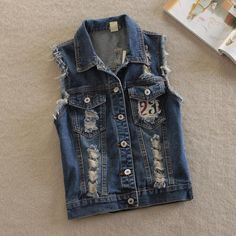 2017 spring new Chalecos Mujer Plus Size Denim Vest cowboy fashion rivets short jacket Gilet Jeans, Denim Jeans, Ripped Denim, Denim Fashion, New Fashion, Fashion Outfits, Punk Fashion, Half Jacket, Vest Jacket