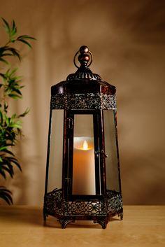 Feuerloser Kerzenschein für eine Wohlfühl-Atmosphäre: Mit Ihrem täuschend echten Wachsdesign und dem realistischen Flammenbild überzeugen die Luminara LED-Kerzen auf ganzer Linie. Fernbedienbar und mit Timer-Funktion besticht die Luminara LED Candle nicht nur in Sachen Handhabung, sondern auch in Sachen Optik und Sicherheit. Erhältlich in 9 unterschiedlichen Grössen.
