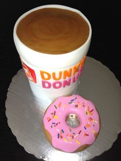 Dunkin Donuts Cake | Community Post: 27 Fast Food Themed Cakes That Are Like Works Of Art
