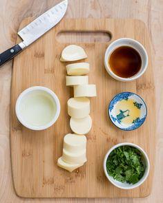 Fragrant & Crispy Egg Tofu with Cilantro - Garlic Delight Stir Fry With Egg, Tofu Stir Fry, Tofu Recipes, Asian Recipes, Diet Recipes, Vegan Miso Soup, Dried Tofu, Egg Tofu, 5 Minute Meals
