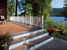 Gray deck boards are used to highlight the steps; this way you won't trip because you're too busy looking at the view.