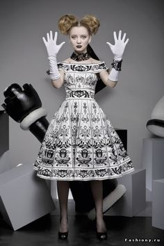 Taisiya Kirtsova is a talented girl and a skilled fashion designer. Her clothes are distinguished by a special luster, incredible quality of cut and unusual styles - a touch of Dior's New Look, charm of the 50s-70s of last century simply can not leave even the most demanding fashionista indifferent!