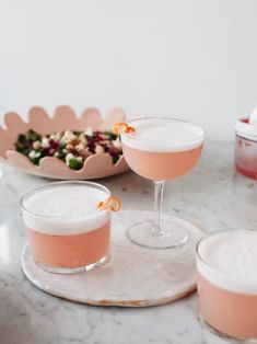Aquafaba Grapefruit Gin Sour Cocktail (+ a Chickpea Pomegranate Dip) - Izy Hossack - Top With Cinnamon % Sour Cocktail, Cocktail Making, Cocktail Drinks, Cocktail Recipes, Cocktail Night, Craft Cocktails, Aquafaba, Sour Drink, Food And Drink
