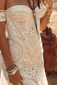 dresses bohemio bohemian bride Tallulah Gown by Rue De Seine Western Wedding Dresses, Bohemian Wedding Dresses, Bridal Dresses, Casual Wedding, Chic Wedding, Wedding Ideas, Bohemian Bride, Bohemian Style, Sheath Wedding Gown