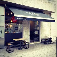 Nude Espresso Soho Square Cafe Restaurant, Restaurant Design, Coffee Cafe, Coffee Shops, London Coffee Shop, Soho Restaurants, Shop Facade, Cafe Shop, Store Fronts