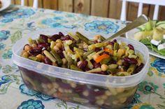 À vos fourneaux: Salade aux trois haricots Fruit Salad, Food, Salads, Meal, Recipes, Fruit Salads, Essen, Hoods, Meals