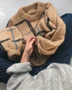 Scotty Sweater Ravelry: Scotty Sweater pattern by PetiteKnit - Ideen finanzieren Sweater Knitting Patterns, Knit Patterns, Knitting Sweaters, Loom Knitting, Free Knitting, Pullover Sweaters, Stitch Patterns, Sweater Weather, Pulls