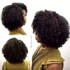 She has my hair type 😌 Pelo Natural, Natural Hair Tips, Natural Hair Journey, Natural Hair Styles, Curly Hair Cuts, Curly Hair Styles, Pelo Afro, Gorgeous Hair, Beautiful