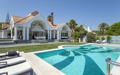 UNIQUE LUXURIOUS CONTEMPORARY FRONTLINE GOLF VILLA IN ALOHA MARBELLA Ref. W-023GH0 5 Bedrooms 7 Bathrooms 433 m² Built 234 m² Interior 1.000 m² Plot #engelvoelkers #evproperty #realestate #Spain #marbella #villa #house #instaproperty #mansion #golfvalley #golf #pool
